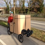 Sofa-chair on the cargobike