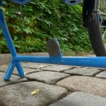 the I:SY Car:go - the magnetic kickstand